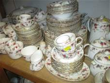 Extensive Minton Ancestral pattern dinner, tea and