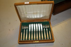 Oak Cased Set Of Twelve Mappin And Webb Silver Plated