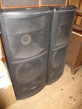 Pair Of Mackie Sr1530 Active Loudspeakers