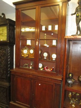 19th Century Mahogany Bookcase With A Moulded Cornice