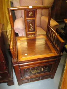 Late 19th / Early 20th Century Chinese Box Seat