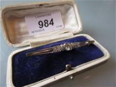 Art Deco 18ct white gold diamond set bar brooch