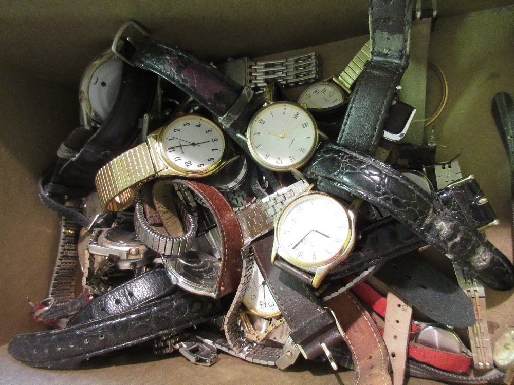 Box containing a quantity of various wristwatches0 - 0
