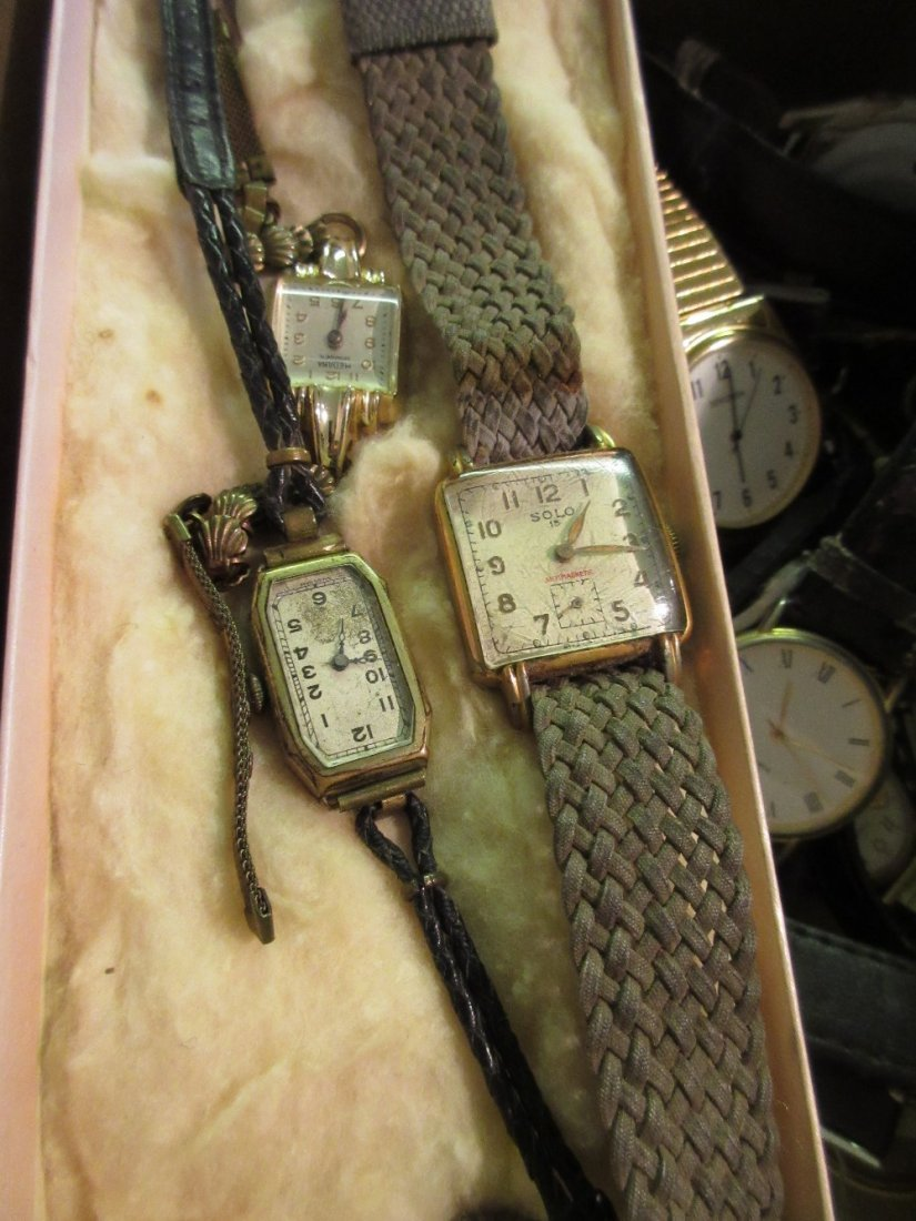 Box containing a quantity of various wristwatches0 - 0 - 2