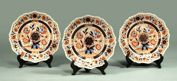 "11: Group of three fine English ironstone 10"" plates wi"