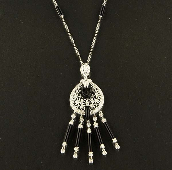 "15: Art deco style 16"", 18 kt. white gold and onyx neck"