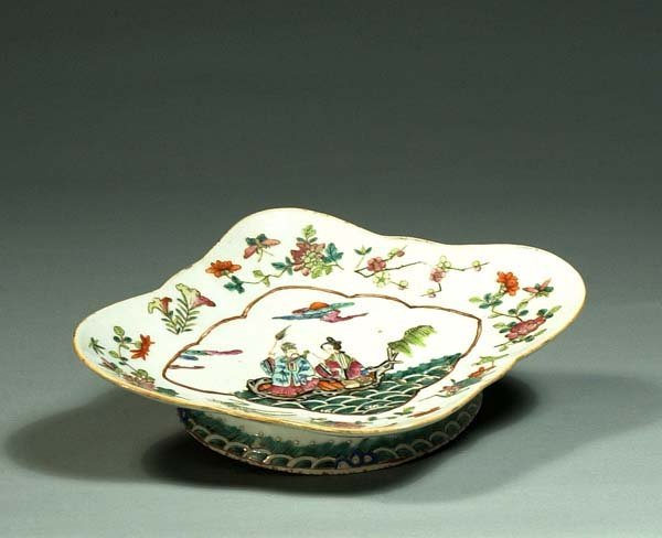 1003: Oval Japanese porcelain footed dish with figural