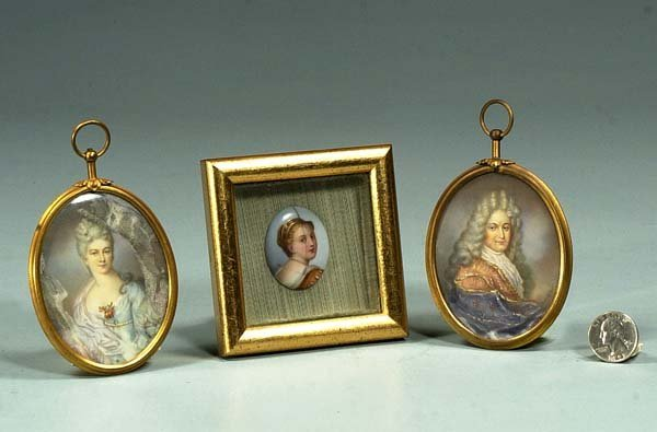 1004: Two oval miniature paintings of a man and woman a
