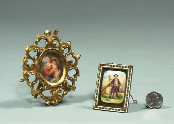 1019: Oval painting on porcelain of Madonna and child a