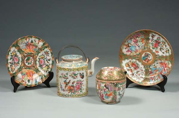 9: Two Chinese Rose Medallion porcelain plates, a round