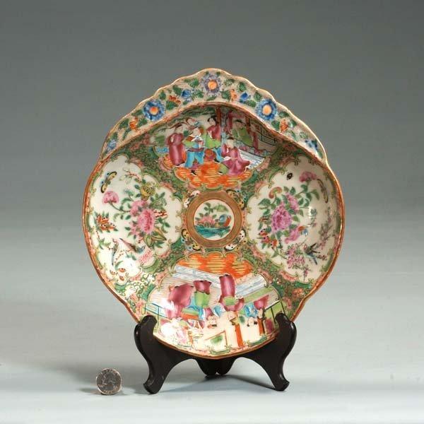 23: Chinese Rose Medallion leaf shaped dish with figura