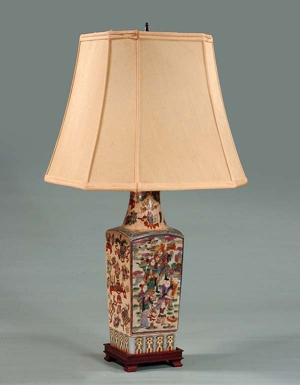 3: Chinese porcelain lamp with urn and floral decoratio