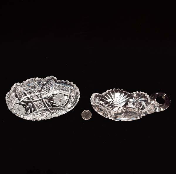 429: Oval cut crystal dish and a cut crystal nappie, tw