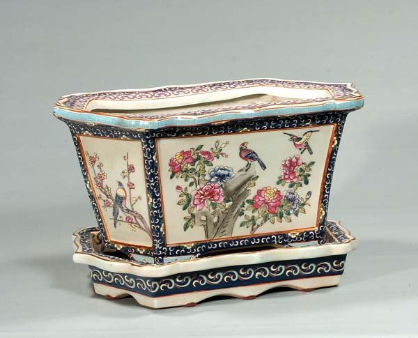 434: Blue and white porcelain planter with under plate,