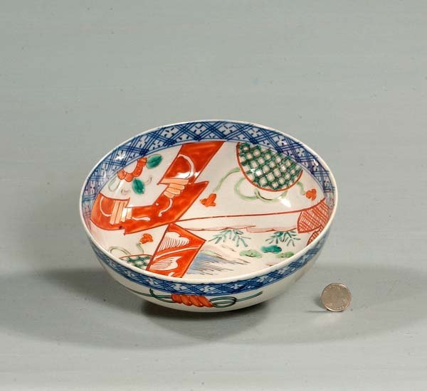 5: Imari porcelain bowl with bird and floral decoration