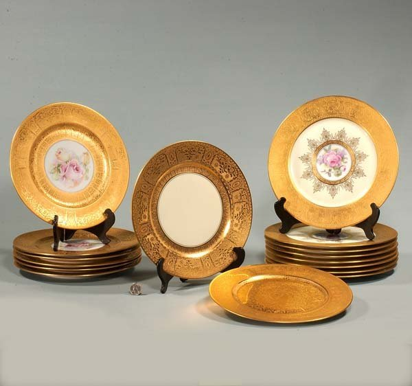 "20: Set of eight Bavarian 11"" plates with wide gold ban"