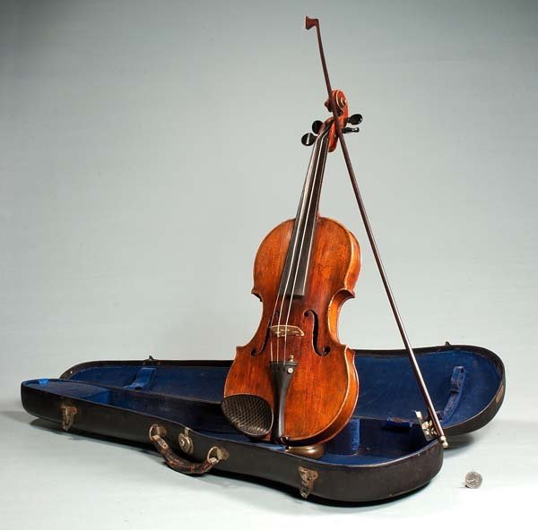 430: German violin and bow in a fitted case