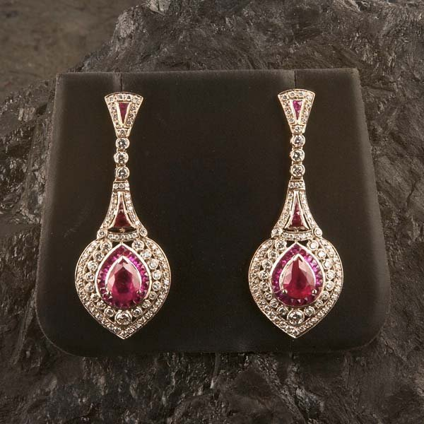 532: Pair of Victorian style, 18 kt. white gold earring