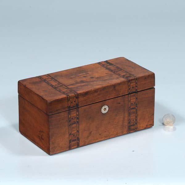 3: Inlaid Sheraton mahogany tea caddy with fitted inter