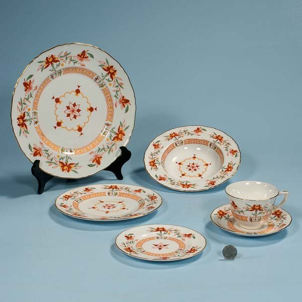 """6: Group of """"Chamberlain's"""" Royal Worcester china, seve"""