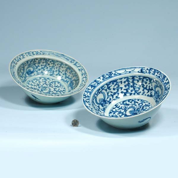 432: Two blue and white Chinese porcelain bowls, 11-1/2