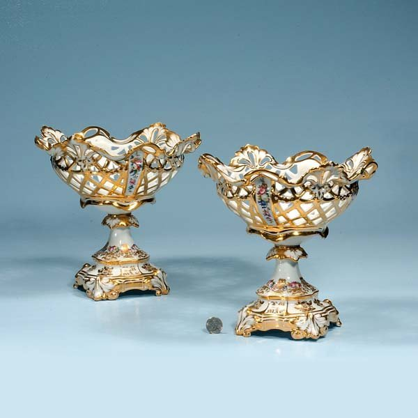 18: Pair of Old Paris porcelain compotes with pierced b