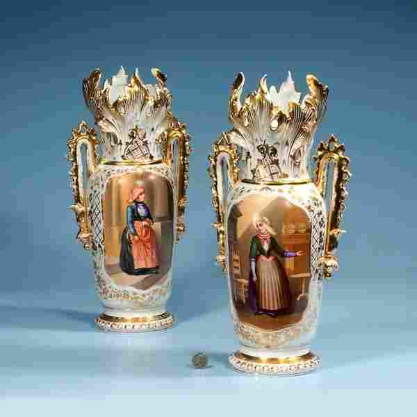 406: Pair of Old Paris porcelain vases with gold gilt h