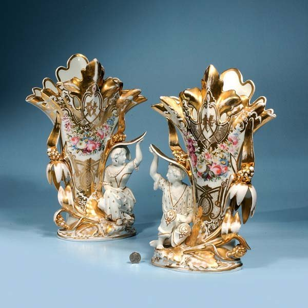427: Pair of Old Paris porcelain vases with figures of
