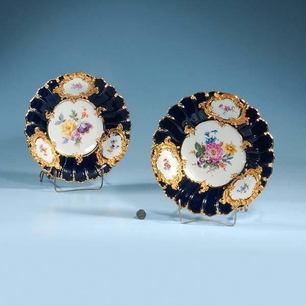 433: Two Meissen cobalt blue and gold porcelain plates