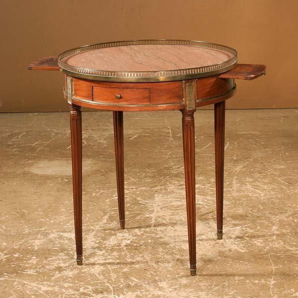1009: Louis XVI style round marble top table with brass