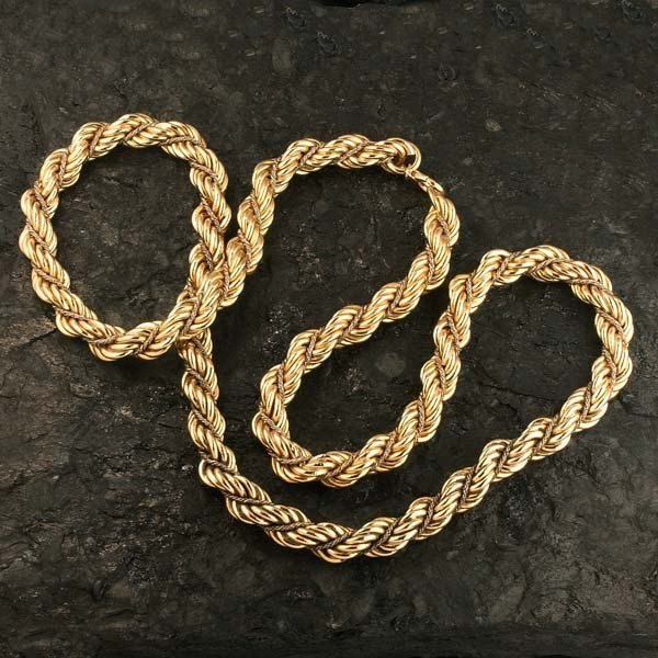 """1016: 35"""", 14 kt. yellow gold twisted link chain neckla"""