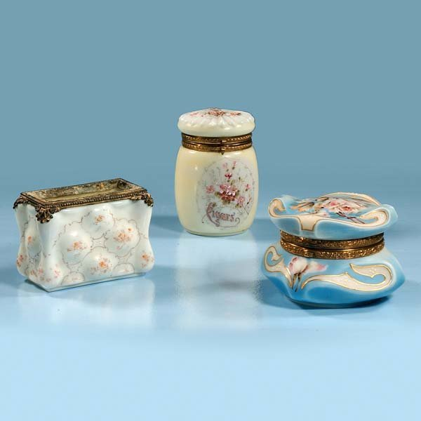 1019: Nakara blue Wavecrest box with floral decoration,