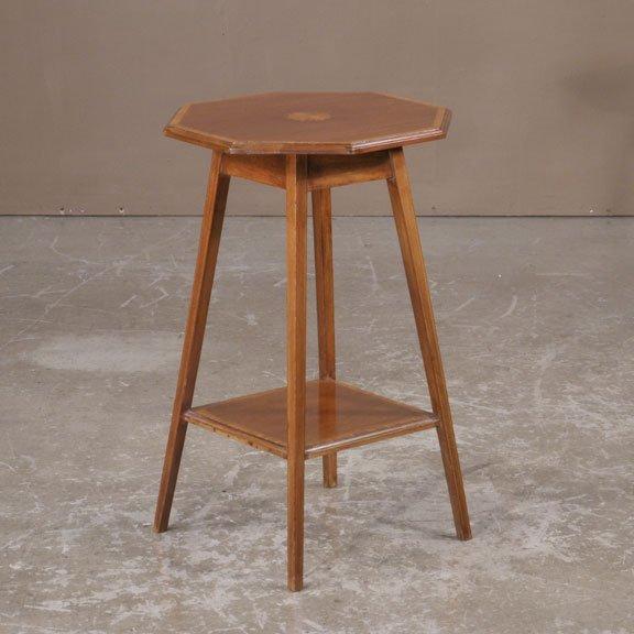 18: English mahogany Edwardian side table with satinwoo