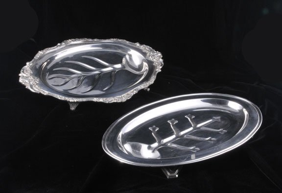 "433: Two oval silver plated tree well platters, 17"" lon"