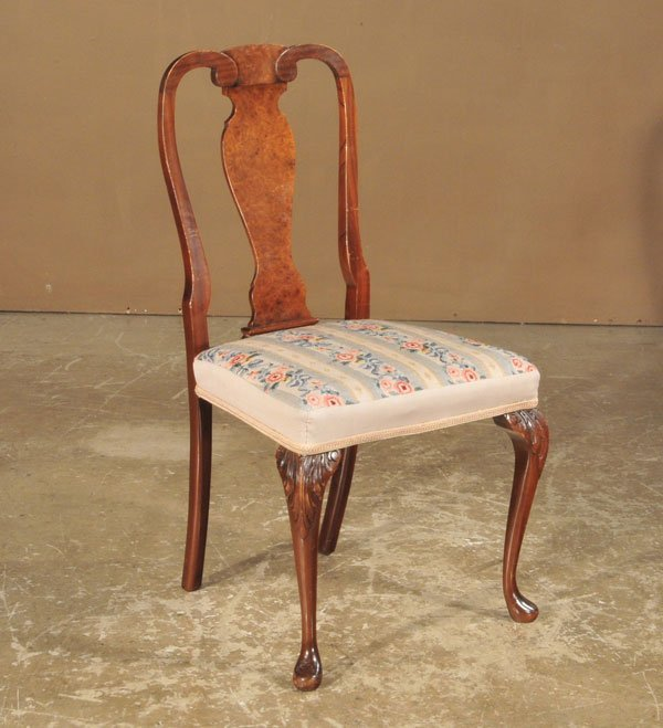 1012: Queen Anne walnut side chair with urn shaped back