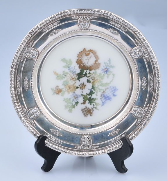 """22: Wallace sterling silver 8"""" plate with scalloped bor"""