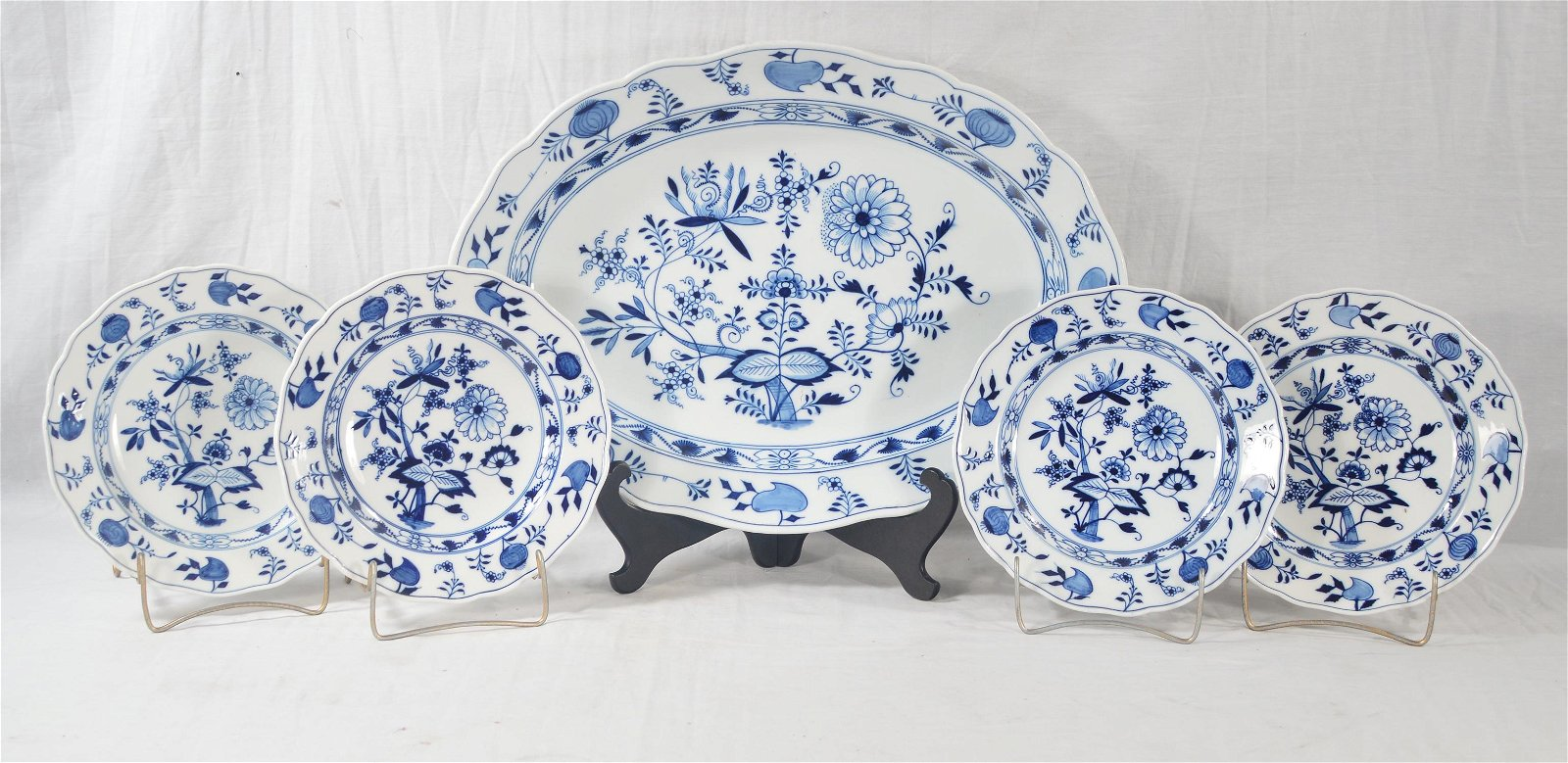Meissen platter and 4 plates