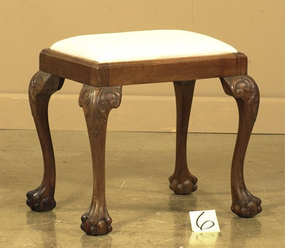1006: Chippendale mahogany stool on cabriole legs with