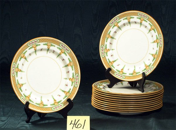 1461: Set of 12 Royal Doulton porcelain dinner plates h