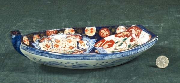 1010: Oval Imari porcelain boat shaped dish with cobalt