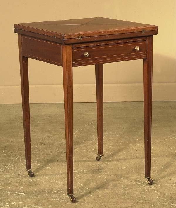 1465: Inlaid Sheraton mahogany envelope game table on s