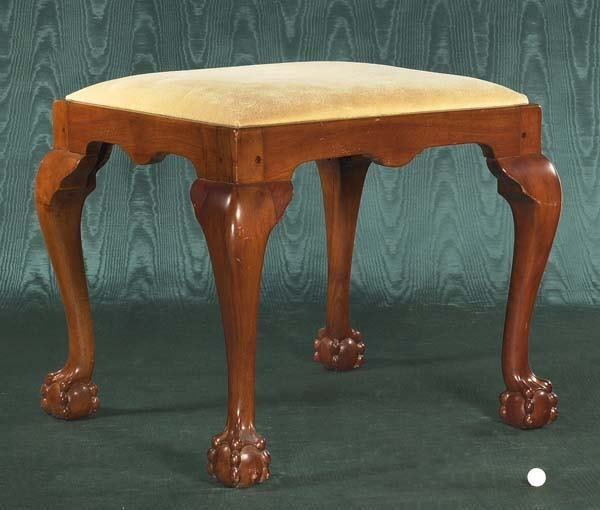 1468: Chippendale mahogany stool on cabriole legs with