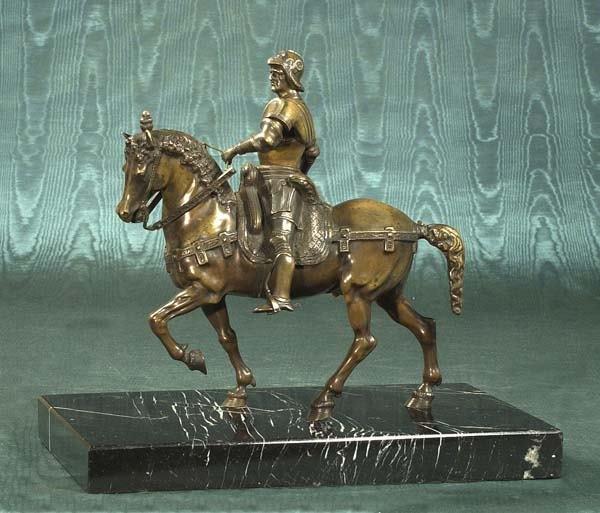 1473: Superb Italian bronze sculpture depicting soldier