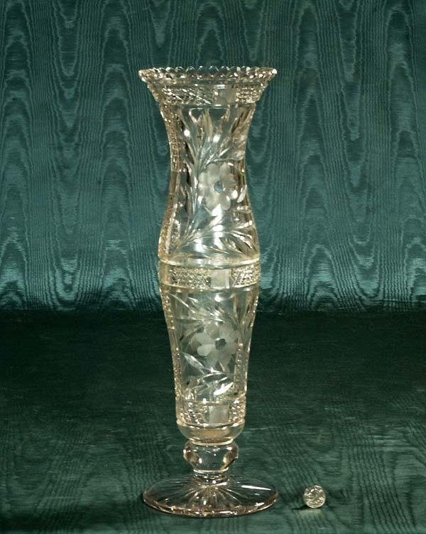 461: Fine cut crystal vase with etched and cut floral d