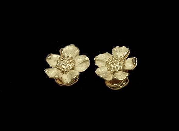 4: Pair of 14 kt. yellow gold flower form earrings by T