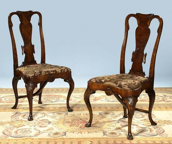 301: Fine pair of Queen Anne walnut side chairs with sc