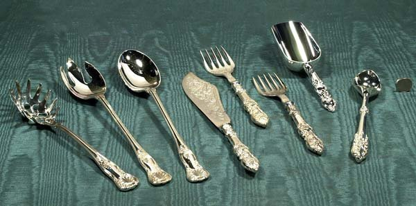 4: Group of eight silver plated silver pieces