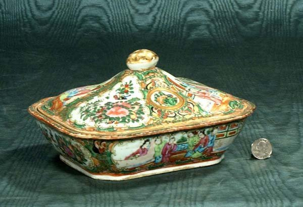 14: Chinese Rose Medallion porcelain covered dish, c.18