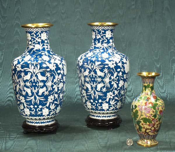 439: Pair of Chinese cloisonné vases on stands and a si