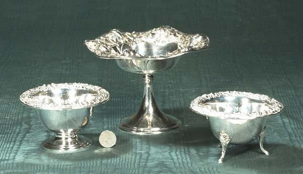 1006: Sterling silver compote with floral design, 7-1/2